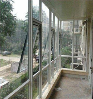 玻璃隔断施工