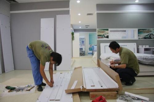 白色油漆家具的清洁