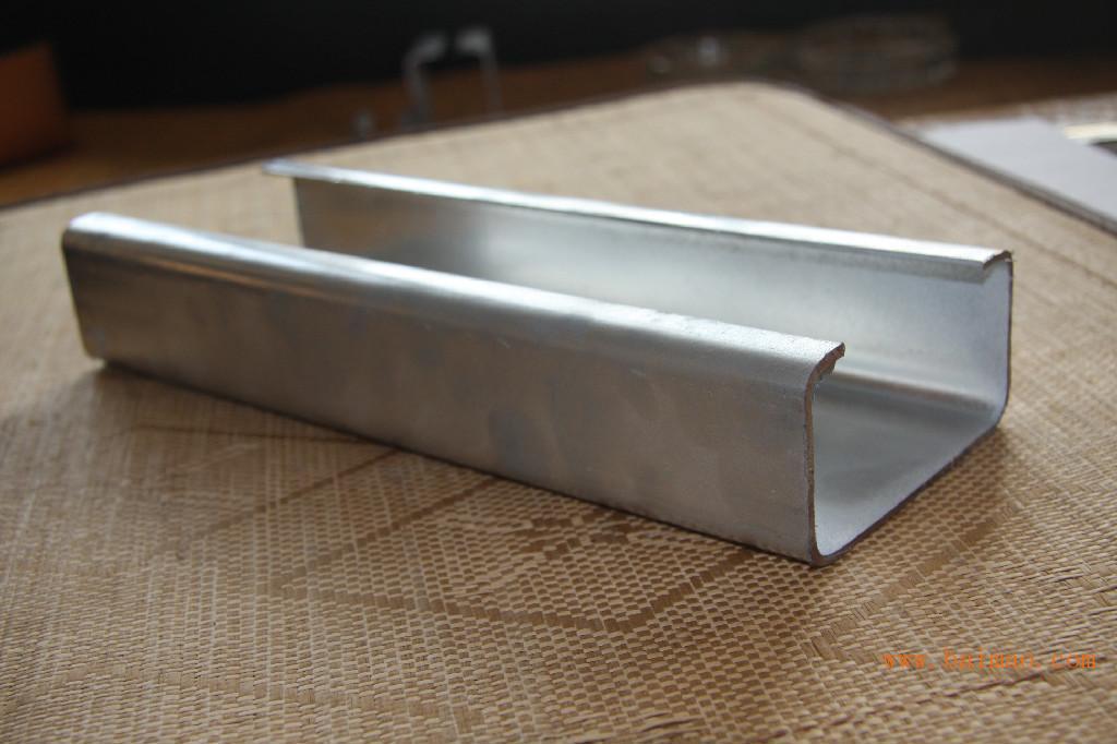 C型钢热镀锌冷弯型钢-天津宇润通金属制品加工厂直销