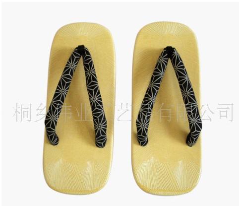 工艺品厂家供应时尚精美日本人字拖鞋批发