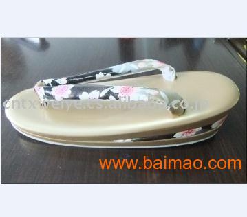 厂家专业提供多种款式日本人字拖、凉拖鞋批发