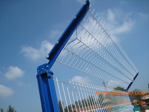 三角折弯护栏网多少钱一米,一平米多少钱,三角