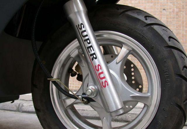 豪爵铃木HS125T海王星摩托车,豪爵铃木HS125T海王星摩托车生产图片