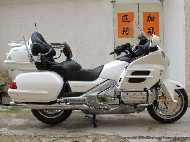 本田金翼gl1800三轮车图片