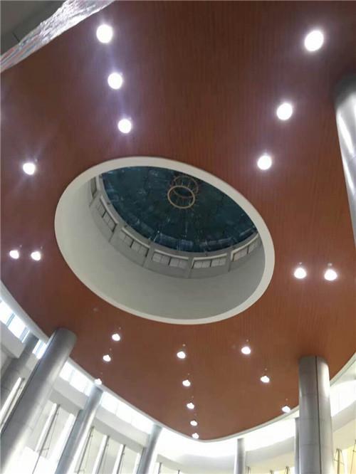 天花板装修
