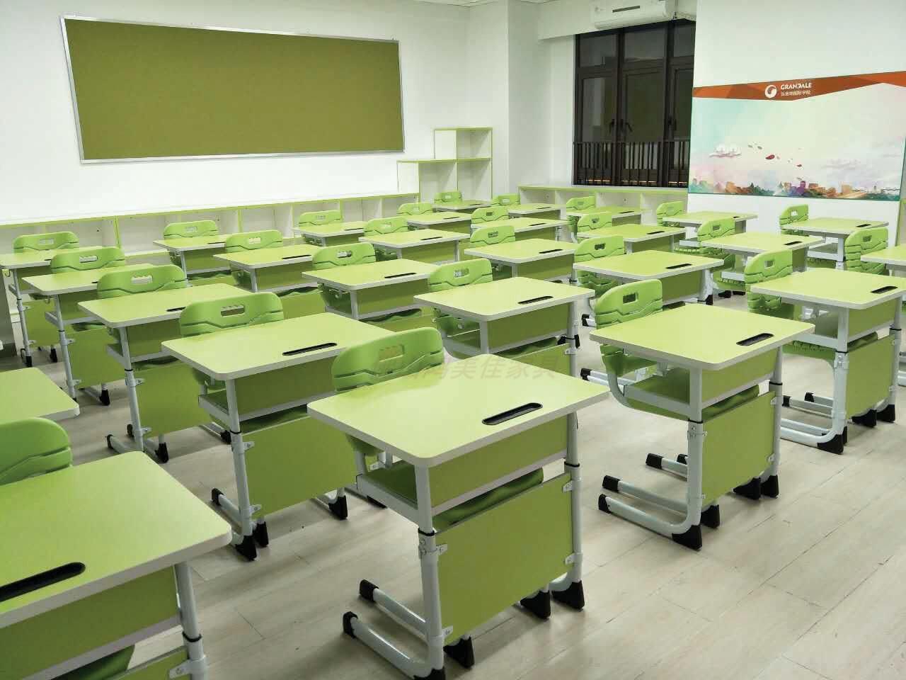 新款钢木课桌椅,广东鸿美佳厂家专业生产供应钢木课桌