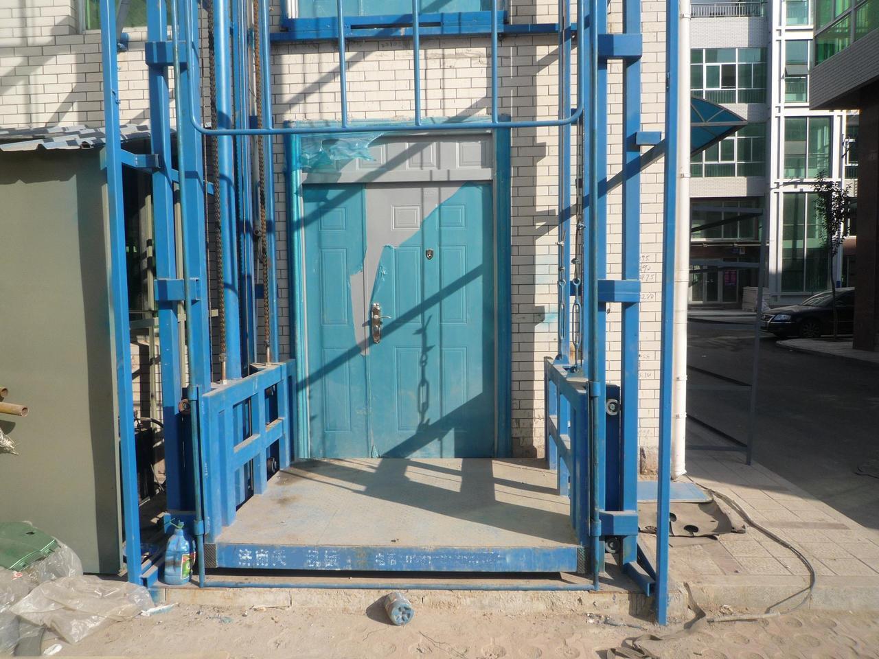 升降货梯,电动升降平台,铝合金升降平台,液压升降平台,车载式升降机图片