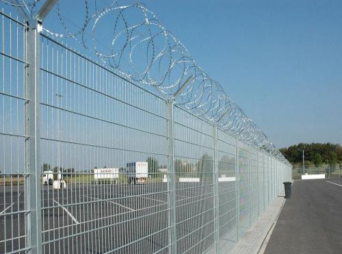 优质护栏网